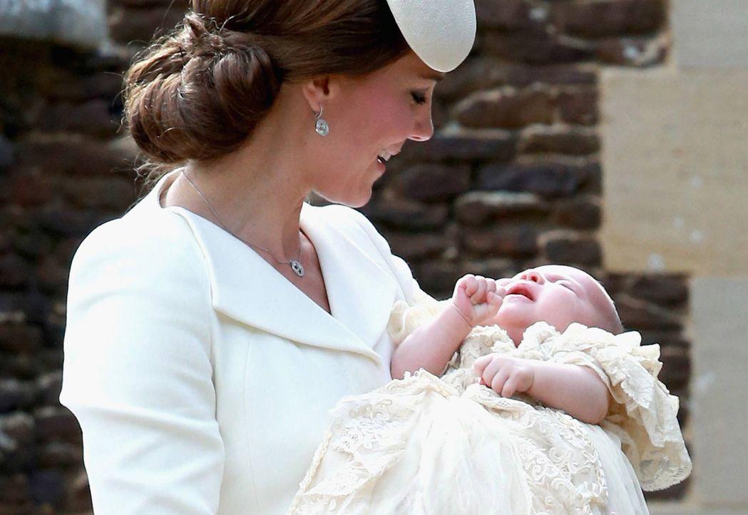 Taufe-Prinzessin-Charlotte-15-07-05-02-AFP - Bildquelle: AFP