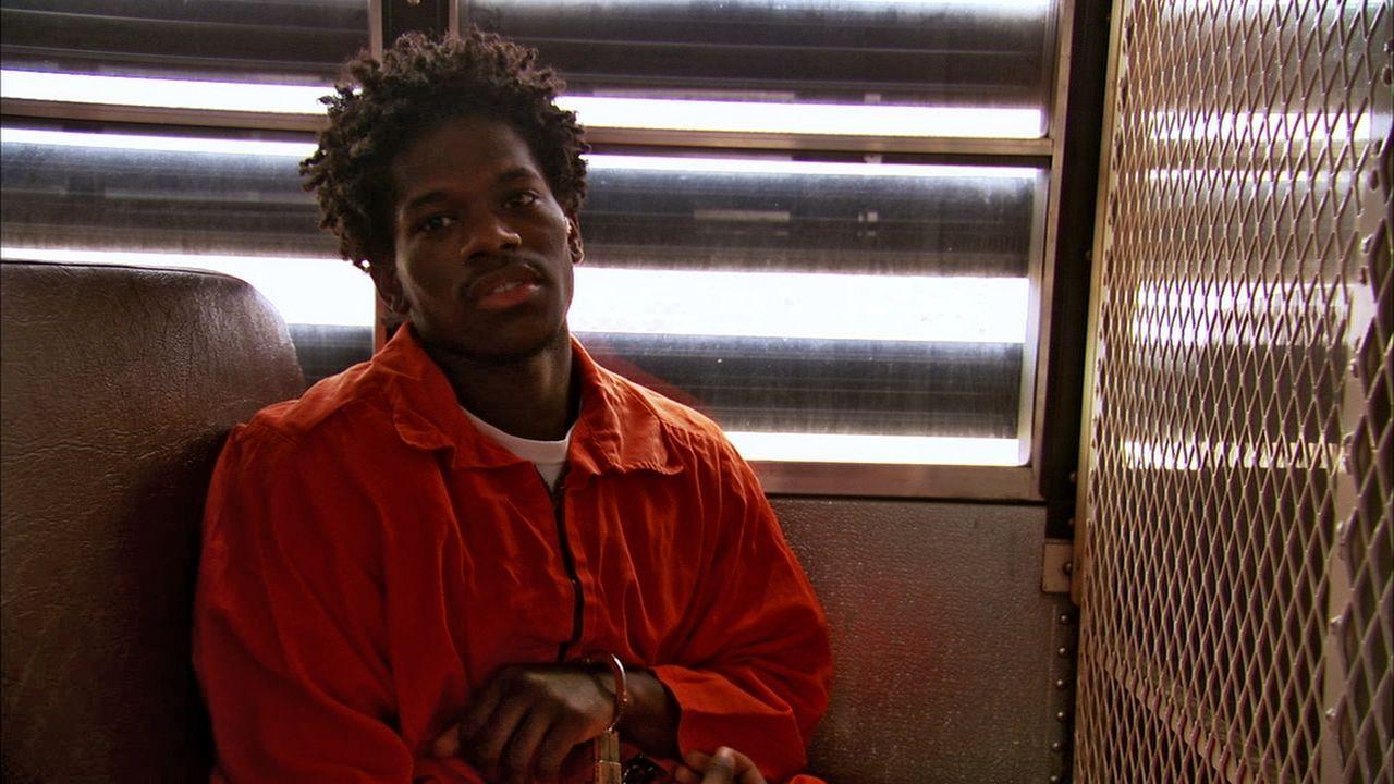 Das Leben und Überleben ist für den Insassen Charles Philon in der Ross Correctional Einrichtung nicht einfach. Er gehört keiner Gang an und wird so... - Bildquelle: Marcus Burnett 2010 NGC Network US, LLC All Rights Reserved