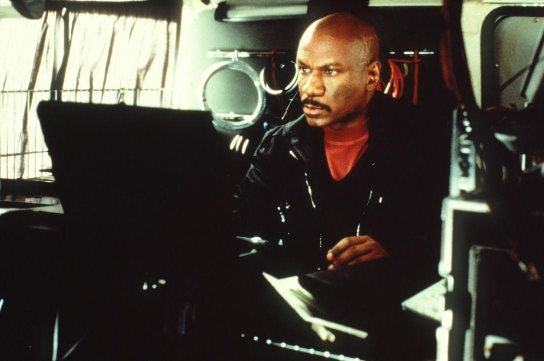 Vor dem Computerexperten Luther Stickell (Ving Rhames) ist kein Netz der Welt sicher ... - Bildquelle: Paramount Pictures