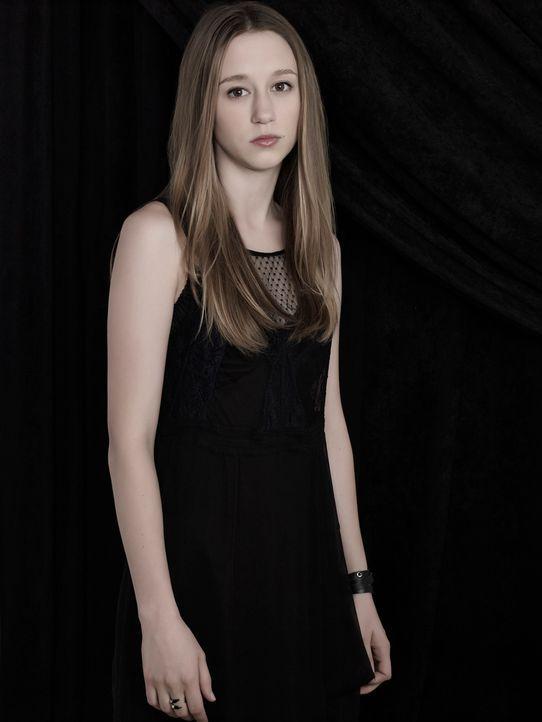 (3. Staffel) - Als Zoe Benson (Taissa Farmiga) erkennt, dass sie kein normales Mädchen ist, gerät sie in den Strudel aus Machtgier, Verrat, Mord und... - Bildquelle: 2013-2014 Fox and its related entities. All rights reserved.