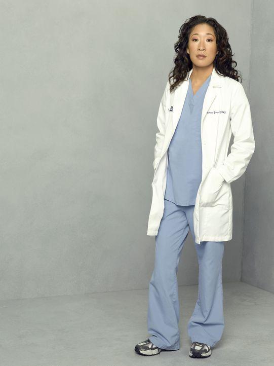 (4. Staffel) - Dr. Cristina Yang (Sandra Oh) hat in ihrem zweiten Jahr im Seattle Grace Hospital nun einen eigenen Assistenzarzt ... - Bildquelle: Touchstone Television