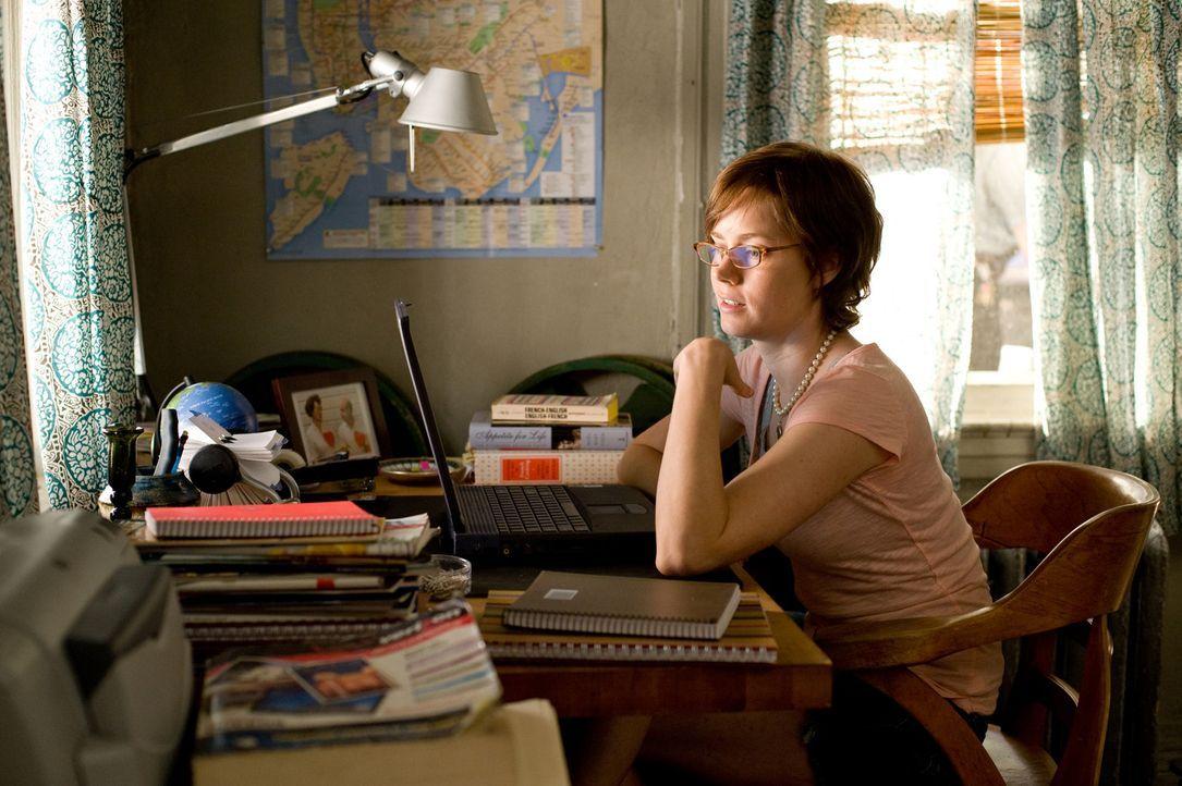 Kurz vor ihrem 30. Geburtstag fühlt sich Julie Powell (Amy Adams) ziemlich niedergeschlagen. Auf der Suche nach einer anderen Richtung, die sie ihr... - Bildquelle: 2009 Columbia Pictures Industries, Inc. All Rights Reserved.