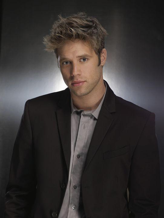 Verdient sein Geld auf unkonventionelle Weise: David Breck (Shaun Sipos) ... - Bildquelle: 2009 The CW Network, LLC. All rights reserved.