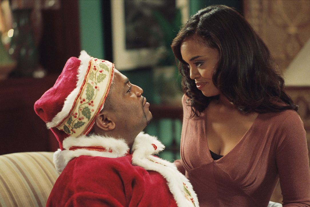 Während des weihnachtlichen Kurzurlaubes lernt die erfolgreiche Kelli (Sharon Leal, r.) den liebenswerten Gerald (Mekhi Phifer, l.) kennen. In ihrer... - Bildquelle: CPT Holdings, Inc.  All Rights Reserved.