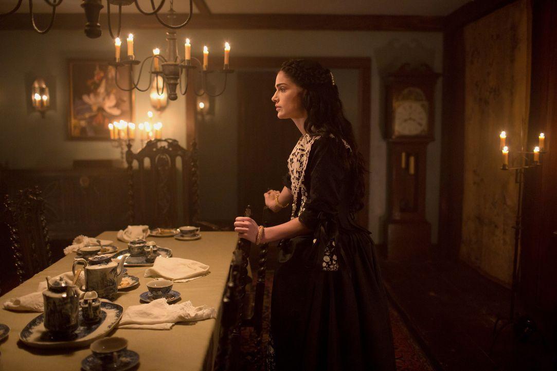 Mary (Janet Montgomery) erhält aus unerwarteter Richtung Unterstützung, um die Macht über Salem weiterhin in Hexenhand behalten zu können ... - Bildquelle: 2015 Fox and its related entities. All rights reserved.