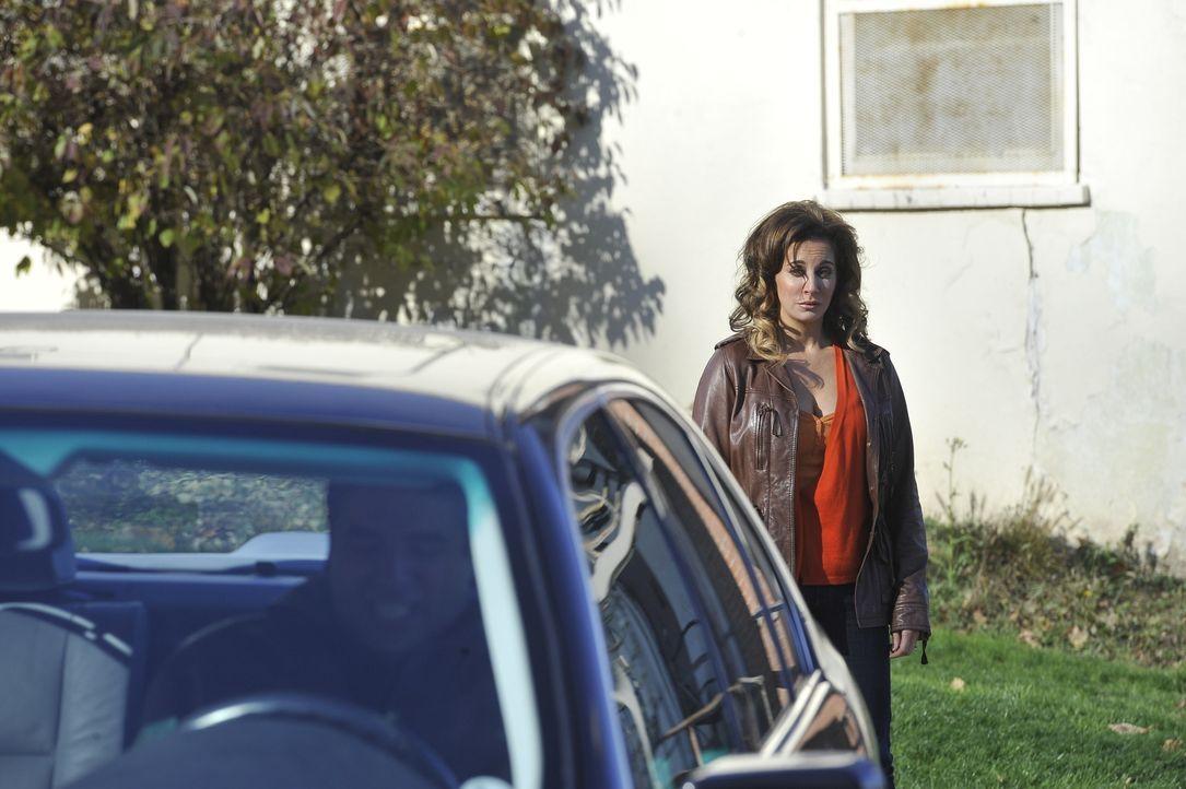 Hat Jamila (Lisa Summers) etwas mit dem Verschwinden des Grafen zu tun? - Bildquelle: Jag Gundu Cineflix 2012