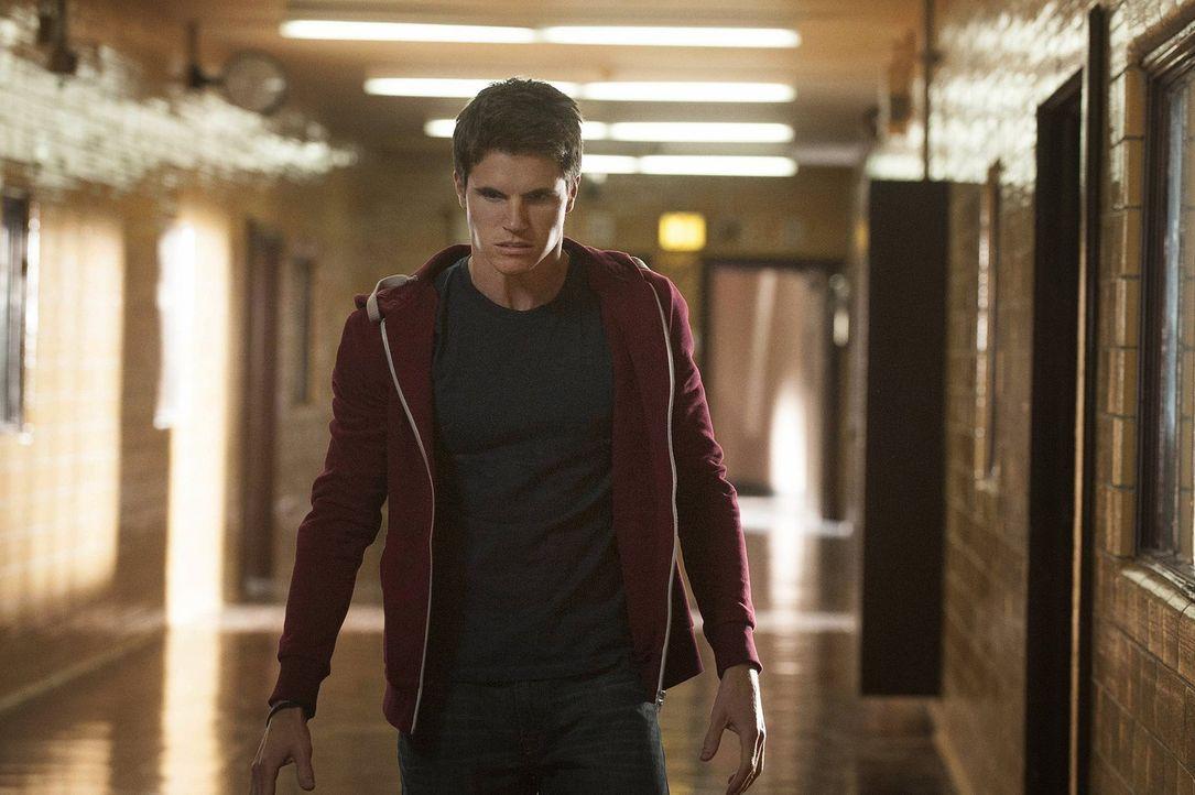 Hat Stephen Jameson (Robbie Amell) die Kontrolle über seine Kräfte oder kontrollieren die Kräfte ihn? - Bildquelle: Warner Bros. Entertainment, Inc
