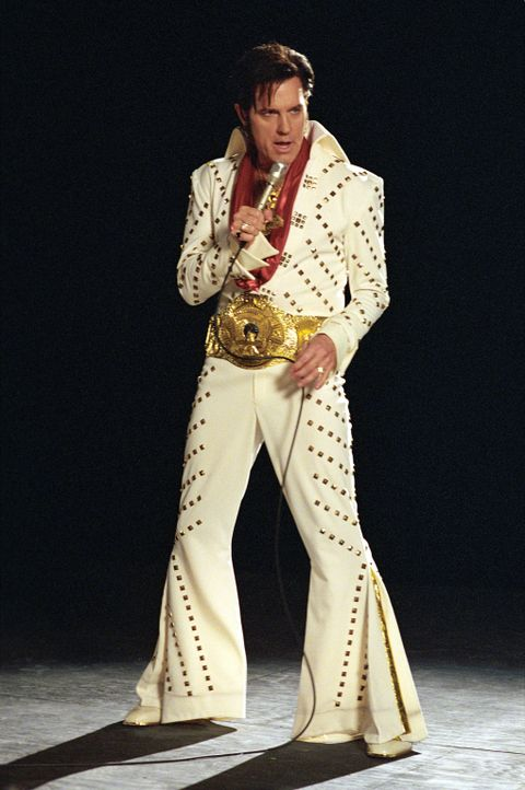 Während der Narkose sieht sich Eric (Stephen Collins) selbst als Elvis Presley auf der Bühne ... - Bildquelle: The WB Television Network