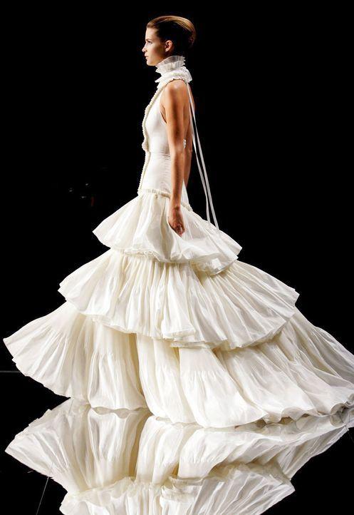 Hochzeitskleider-12-dpa - Bildquelle: dpa