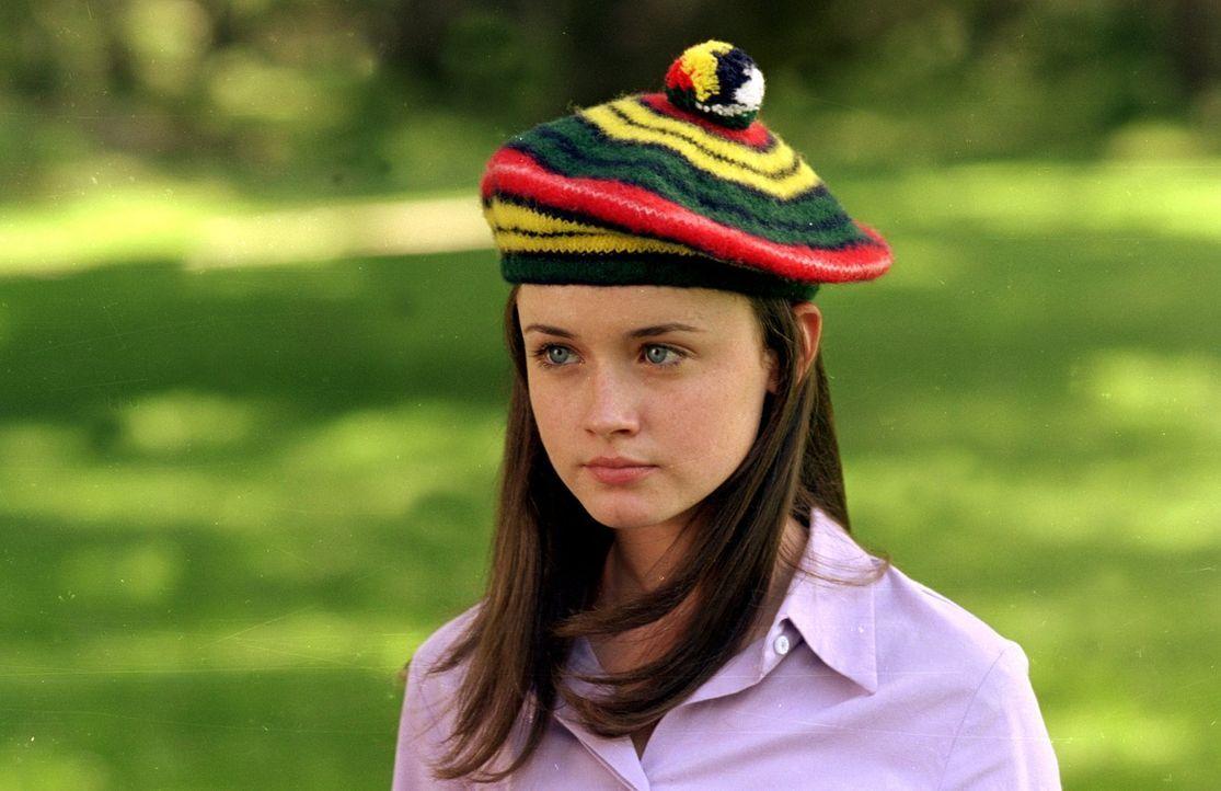 Im Auftrag der Schule muss sich Rory (Alexis Bledel) einer Sportart widmen. Als sie das Thema beim Freitagsdinner anspricht, sorgt das jedoch für St... - Bildquelle: 2000 Warner Bros.