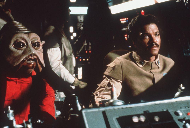 """Die Rebellen Lando (Billy Dee Williams, r.) und sein Co-Pilot Nien Nunb (l.) sind mit dem """"Rasenden Falken"""" unterwegs zum Todesstern ... - Bildquelle: Lucasfilm LTD. & TM. All Rights Reserved."""