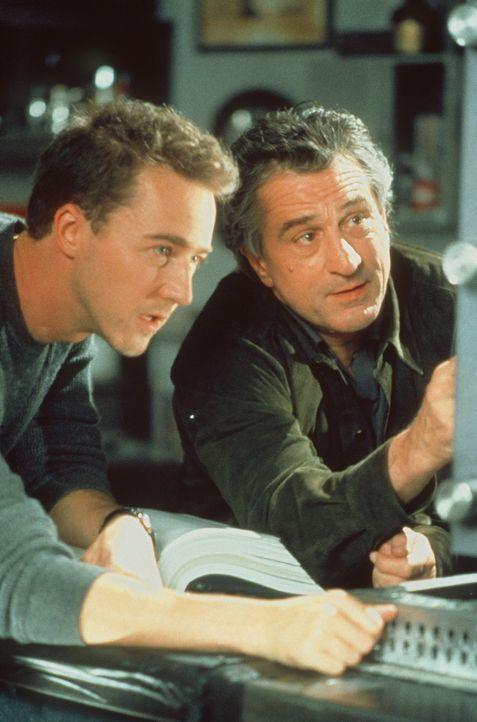 Eines Tages erhält der alternde Safeknacker Nick (Robert De Niro, r.) die einzigartige Gelegenheit, richtig viel Geld zu machen. Doch der Einzelgä... - Bildquelle: Paramount Pictures