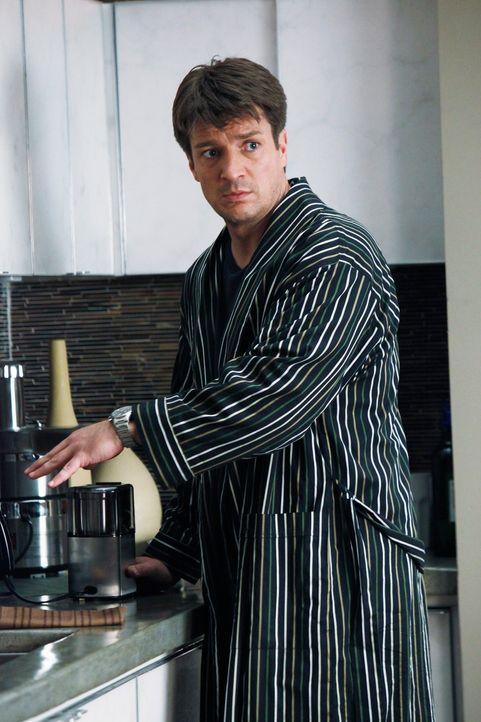 Richard Castle (Nathan Fillion) ist sehr überrascht als seine Agentin Paula morgens plötzlich auftaucht ... - Bildquelle: ABC Studios