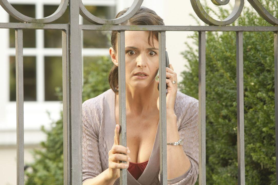 Danni lässt nicht locker - sie will unbedingt Ulla Winkler (Bettina Engelhardt) und ihren Mann vor Gericht bloßstellen ... - Bildquelle: SAT.1