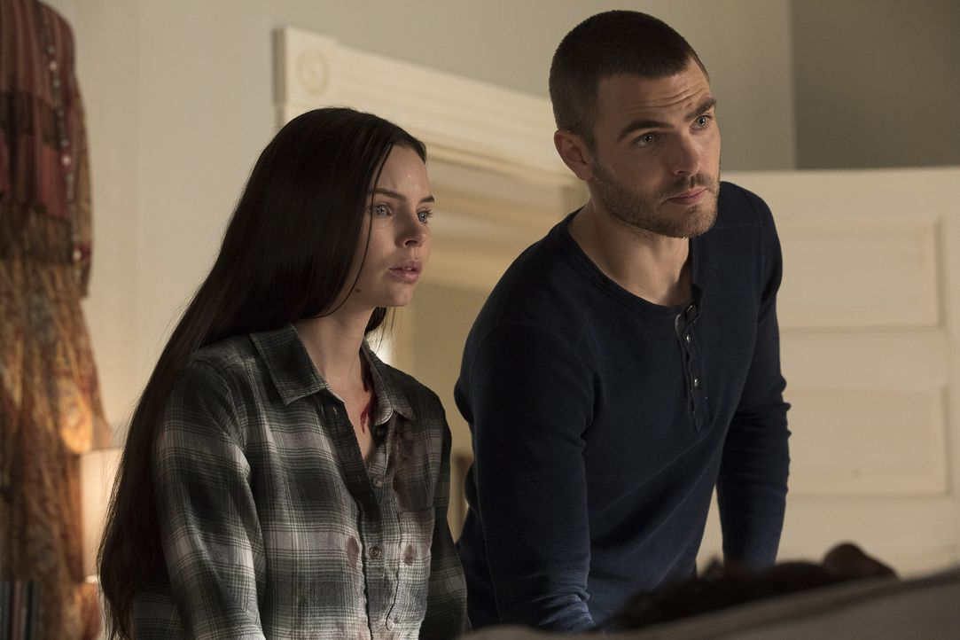 Ryn (Eline Powell, l.); Ben (Alex Roe, r.) - Bildquelle: Jack Rowand 2017 Disney Enterprises, Inc. All rights reserved./Jack Rowand