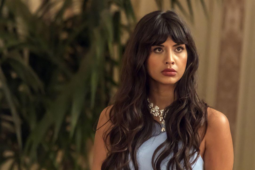 """Als Tahani (Jameela Jamil) die Bekanntschaft mit dem Besuch aus dem """"Bad Place"""" macht, hofft sie einfach nur, dass diese möglichst schnell wieder ve... - Bildquelle: Ron Batzdorff 2016 Universal Television LLC. ALL RIGHTS RESERVED."""