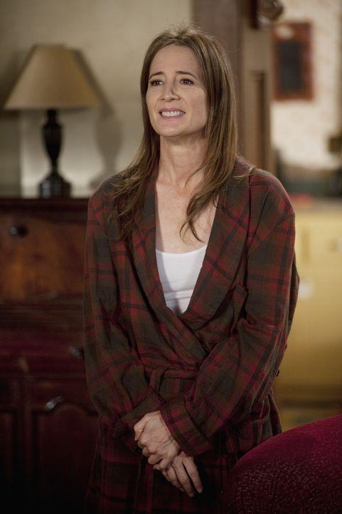 Nora (Anne Ramsay) hat gegen ihre Bewährungsauflagen verstoßen und muss zurück ins Frauengefängnis ... - Bildquelle: Randy Holmes 2010 Disney Enterprises, Inc. All rights reserved.