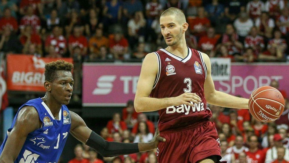 Isaac Bonga (l.) will sich in der NBA durchsetzen - Bildquelle: PIXATHLONPIXATHLONSID