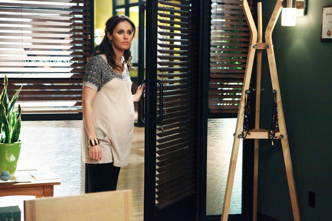 Violet (Amy Brenneman) muss sich zwischen Pete und Sheldon entscheiden und wird dabei von einer trauernden Patienten gefährdet ... - Bildquelle: ABC Studios