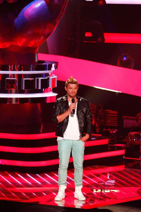 jonathan-01-the-voice-of-germany-staffel-2-epi05-showjpg 1400 x 2100 - Bildquelle: SAT.1/ProSieben/Richard Hübner