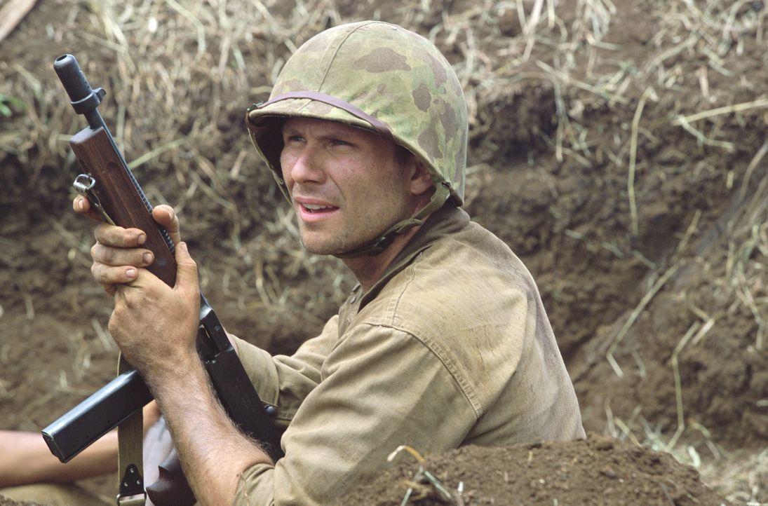 Sergeant Ox Henderson (Christian Slater) kämpft für die US-Marine im Pazifikkrieg und soll einen Code-Funker beschützen ... - Bildquelle: 2002 METRO-GOLDWYN-MAYER PICTURES INC.. All Rights Reserved