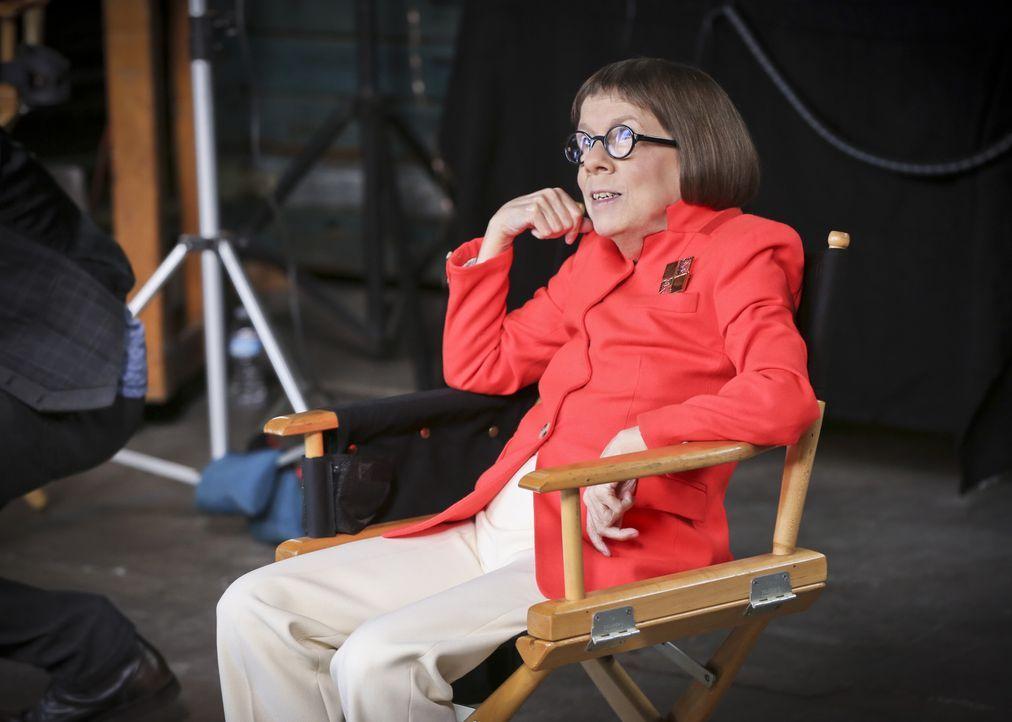 Um eine neuen Fall aufzuklären, arbeitet Hetty (Linda Hunt) undercover ... - Bildquelle: Monty Brinton 2015 CBS Broadcasting, Inc. All Rights Reserved.