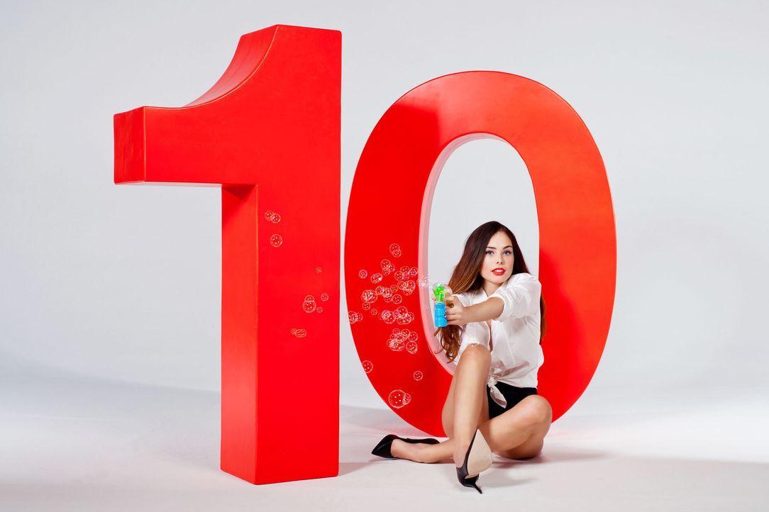 GNTM-Stf10-10erMotiv-Party-Ariana-ProSieben-Stefan-Hobmaier - Bildquelle: ProSieben/ Stefan Hobmaier