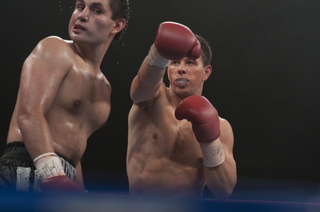 """Der Boxer """"Irish"""" Mickey Ward (Mark Wahlberg, r.) ist Boxer mit Leib und Seele, doch Siege sind ihm in letzter Zeit nicht häufig vergönnt. Da lernt... - Bildquelle: 2010 Fighter, LLC All Rights Reserved"""