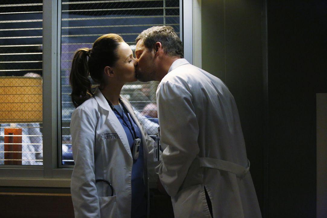 Sind unendlich glücklich: Jo (Camilla Luddington, l.) und Alex (Junstin Chambers, r.) ... - Bildquelle: ABC Studios