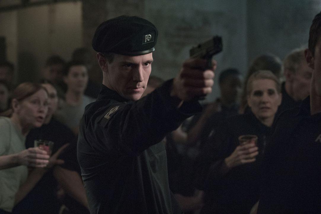 Chase Graves (Jason Dohring) - Bildquelle: Warner Bros.