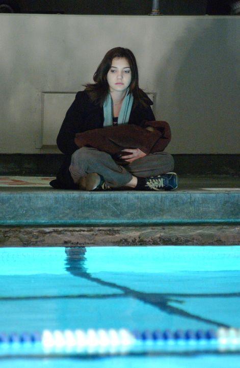 Die hoch begabte Schülerin Tara Patterson (Michelle Horn) verschwindet spurlos. Was niemand weiß - sie war längst nicht so harmlos, wie es zunächst... - Bildquelle: Warner Bros. Entertainment Inc.