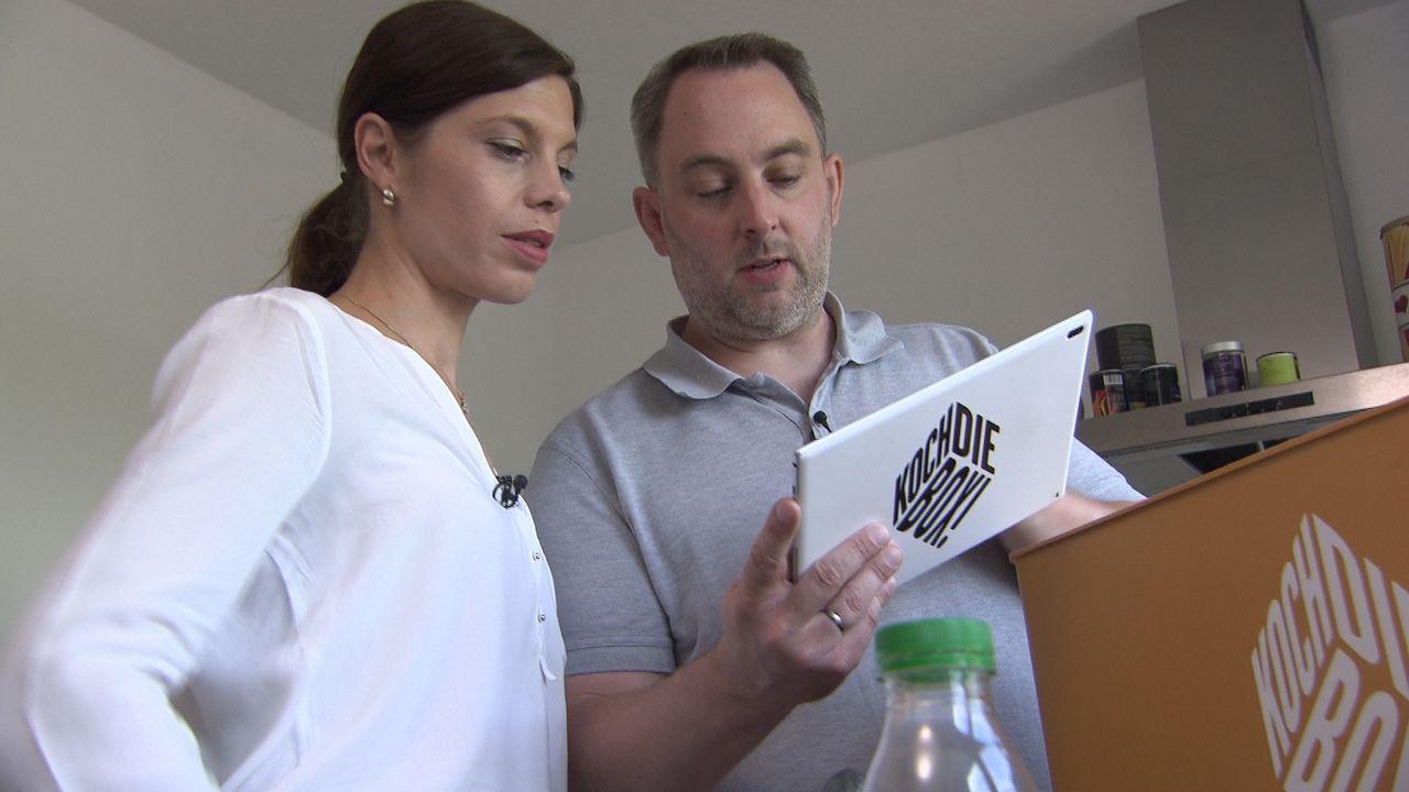 Alessandra (l.) und Sven (r.) sind sich sicher, dass sie mit ihrem strukturierten Vorgehen und guten Zeitmanagement den Sieg nach Hause holen. Werde... - Bildquelle: kabel eins