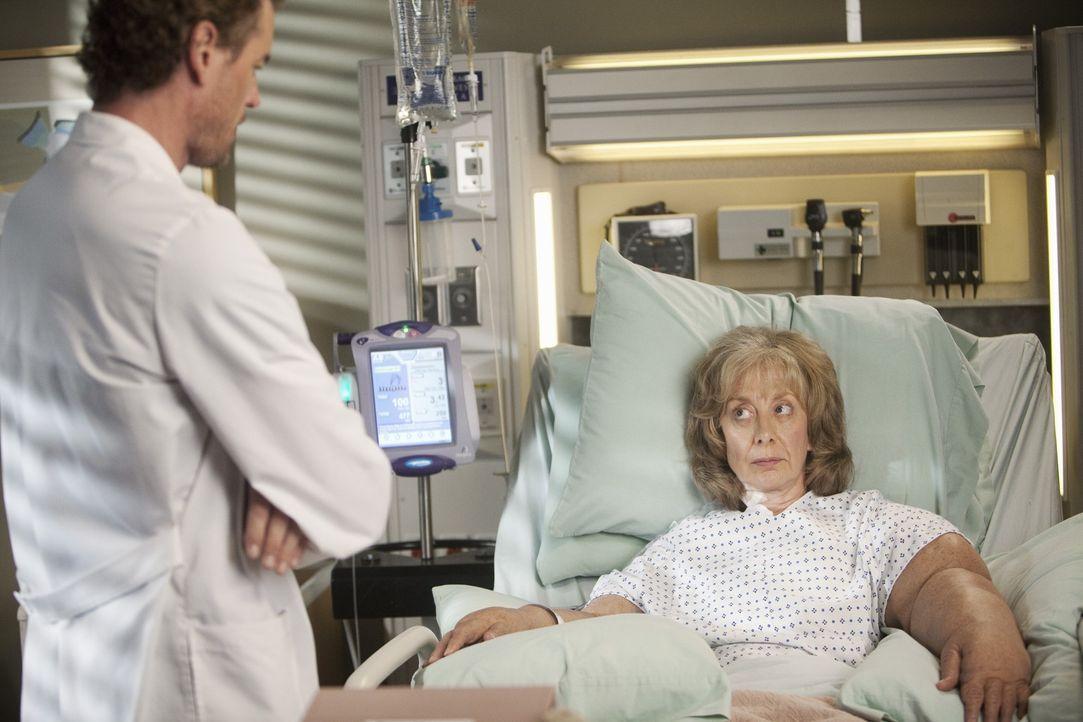 Will seiner Patientin Carrie (Ellen Crawford, r.) helfen: Mark (Eric Dane, l.) ... - Bildquelle: ABC Studios