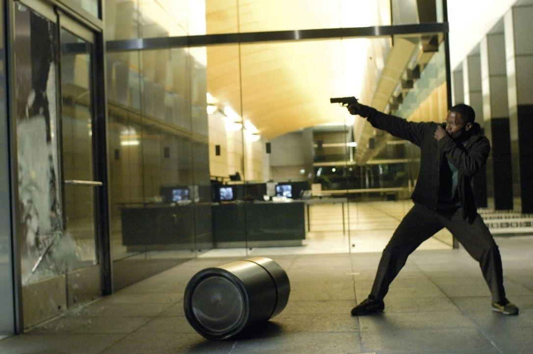 Die Nacht beginnt für den Taxifahrer Max (Jamie Foxx) wie jede andere, doch sie wird sein Leben grundlegend verändern … - Bildquelle: TM &   Paramount Pictures. All Rights Reserved.