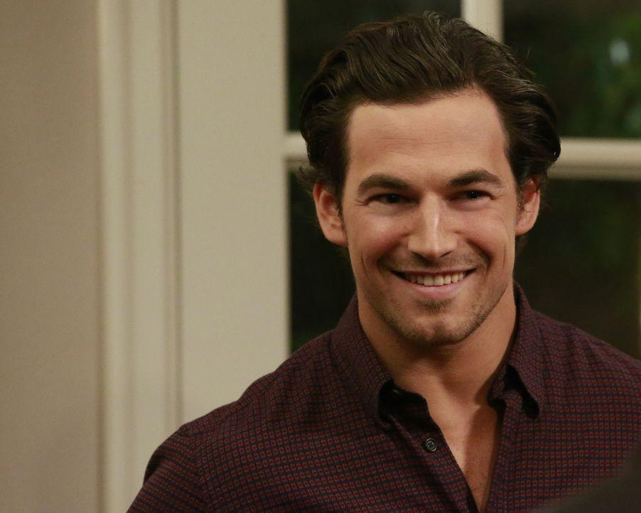 Die Beziehung zwischen Maggie und Andrew (Giacomo Gianniotti) blüht auf, während Owen und Nathan weiterhin streiten ... - Bildquelle: Michael Hassan ABC Studios