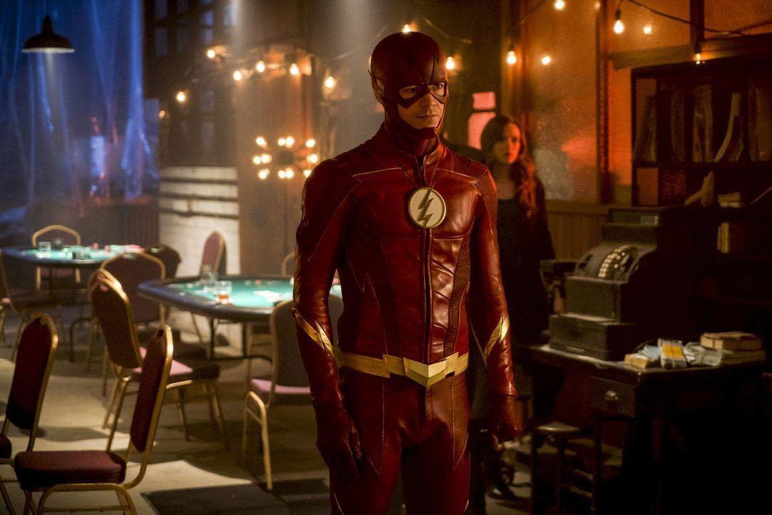 Um DeVoes fast fertige Maschine zu zerstören, müssen Barry alias The Flash (Grant Gustin) und seine Freunde einen ungewöhnlichen Schritt wagen ... - Bildquelle: 2017 Warner Bros.