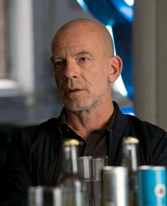 Adler (Martin Wuttke) steht Carrie und Saul zur Seite, um Allison eine Falle zu stellen. Doch wird sie darauf reinfallen? - Bildquelle: Stephan Rabold 2015 Showtime Networks, Inc., a CBS Company. All rights reserved.
