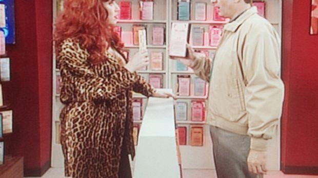 Al (Ed O'Neill, r.) und Peggy Bundy (Katey Sagal, l.) versuchen, einen Film z...