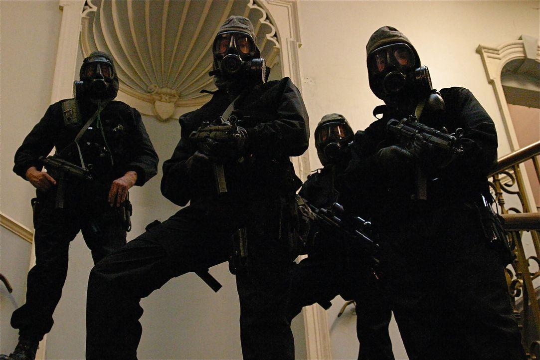 Im Jahr 1980 nahmen Terroristen in der iranischen Botschaft in London Geiseln. Die SAS musste damals eingreifen und den Horror gewaltsam beenden ... - Bildquelle: James Leigh 2008 DANGEROUS FILMS