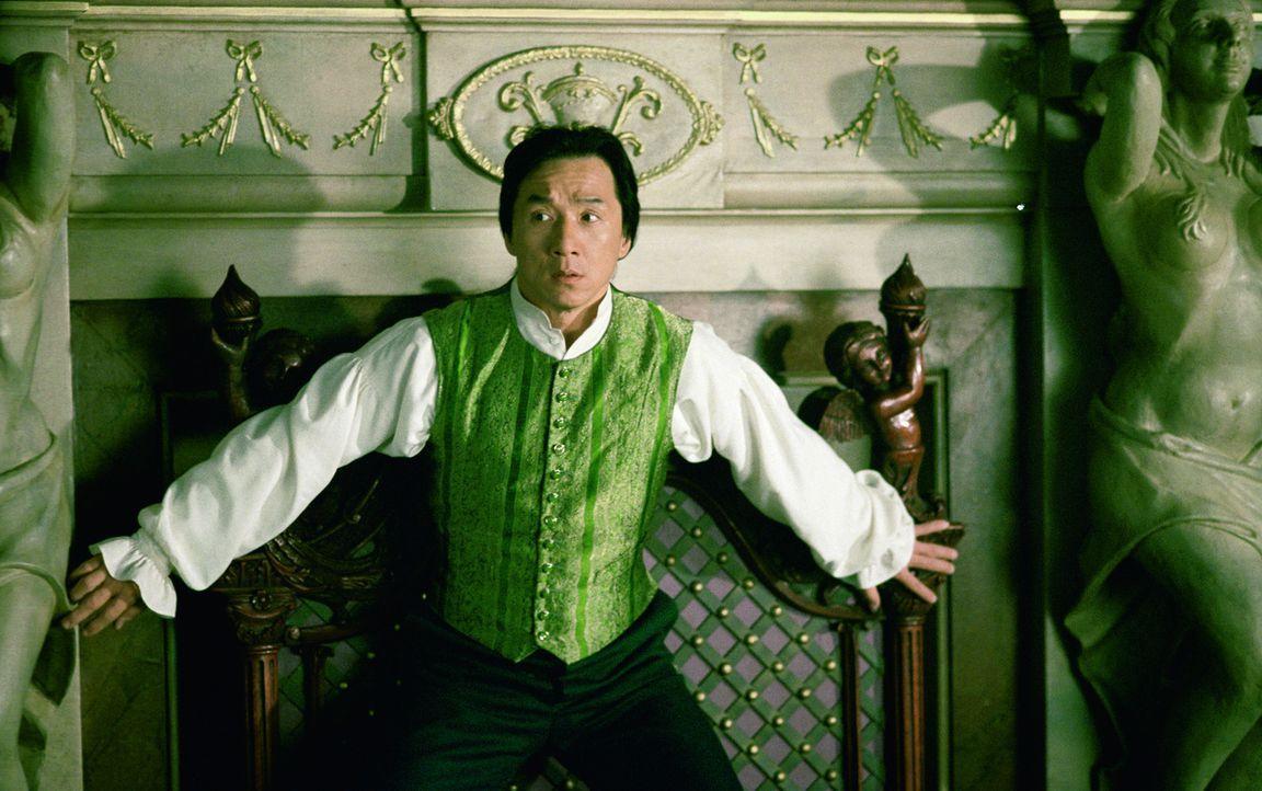 Auf der Suche nach den Mördern seines Vaters verschlägt es Chon Wang (Jackie Chan) und seinen Kumpel Roy O'Bannon ins viktorianische London ... - Bildquelle: 2002 Touchstone Pictures and Spyglass Entertainment Group, L.P.
