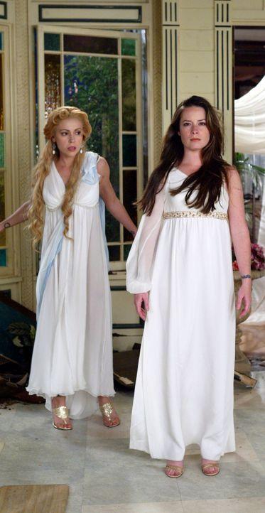 Leo verleiht den Mächtigen Drei die Kraft und Macht von drei Göttinnen, trotz des Risikos, dass sie ihren Kräften verfallen: Phoebe (Alyssa Milano,... - Bildquelle: Paramount Pictures