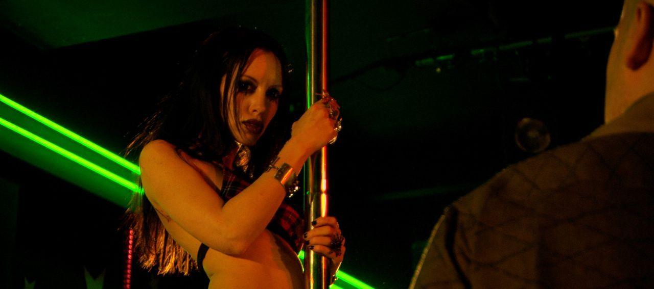 Lässt sich verwandeln - in einen Zombie: Lillith (Roxy Saint) ... - Bildquelle: 2007 Worldwide SPE Acquisitions Inc. All Rights Reserved.
