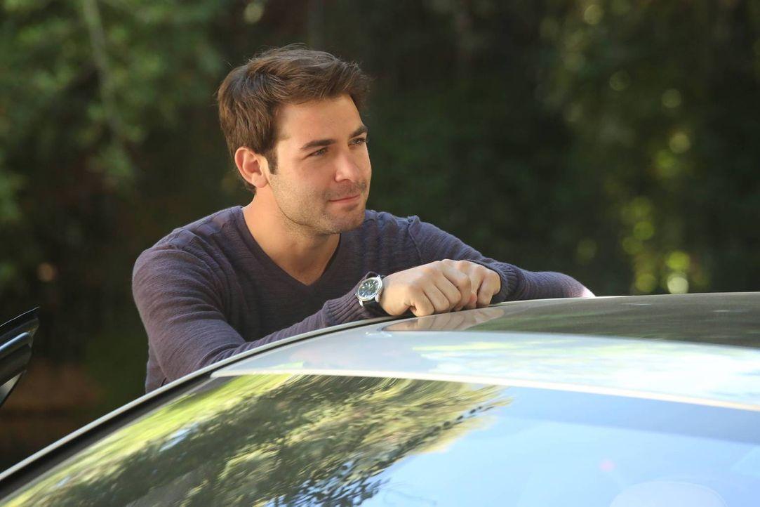 Gerät mit Andrew in einen Konkurrenzkampf: Zach (James Wolk) ... - Bildquelle: 2013 Twentieth Century Fox Film Corporation. All rights reserved.
