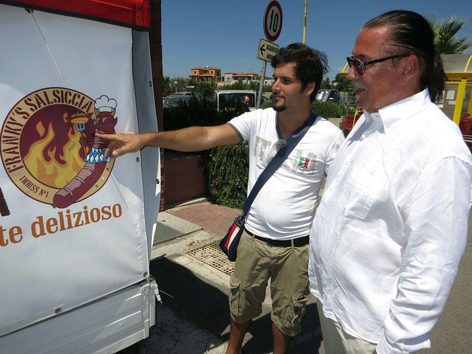 Wird Frank (l.) es schaffen, die Jury von seiner Business-Idee, einem Imbiss-Mobil auf Sardinien, zu überzeugen? - Bildquelle: kabel eins