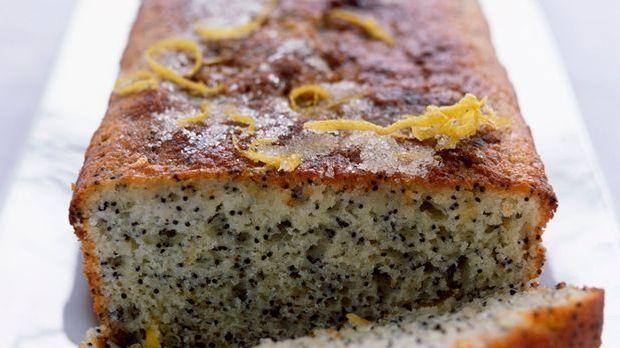 Leckerer Mohnkuchen mit Orangenschale