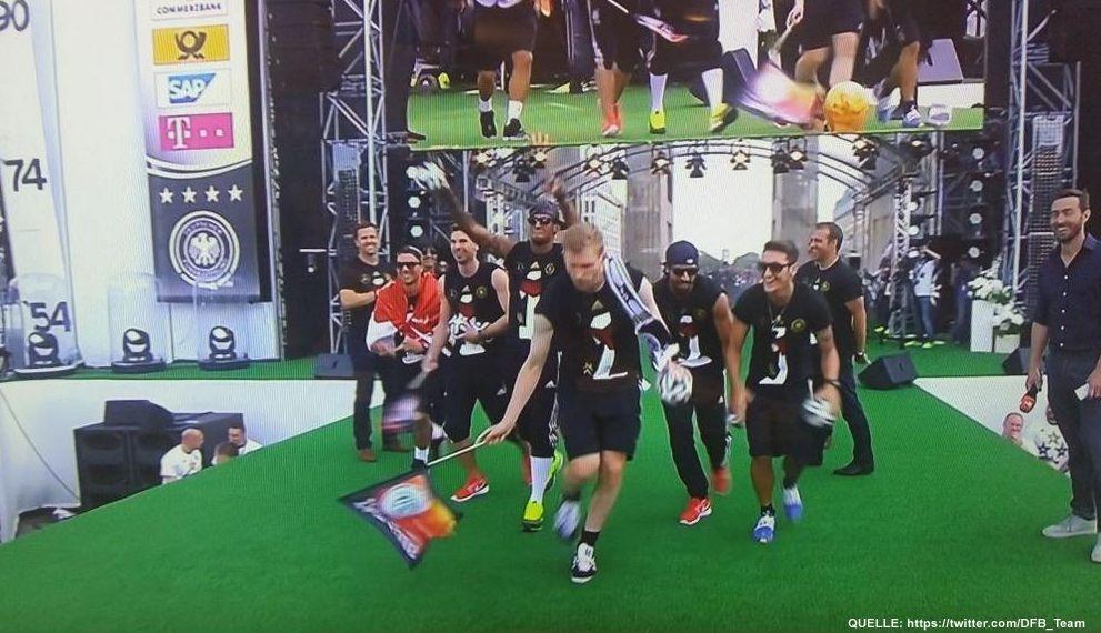 wm-ankunft-23-twitter-DFB_Team - Bildquelle: https://twitter.com/DFB_Team