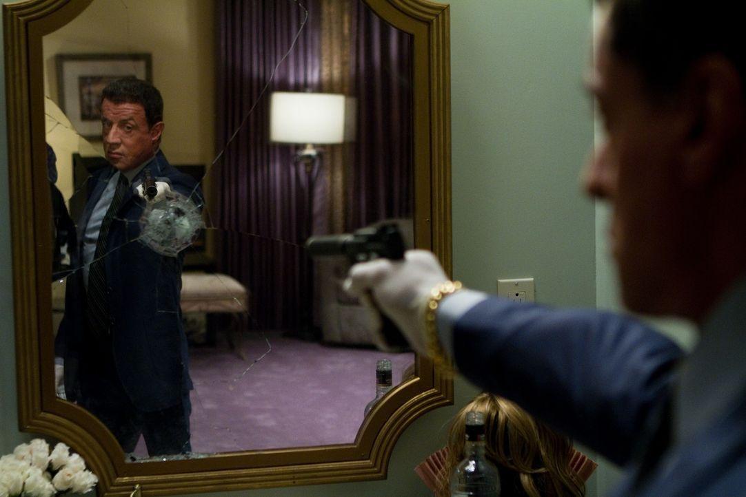 Auf dem Weg der Vergeltung ist mit Jimmy Bobo (Sylvester Stallone) nicht zu spaßen ... - Bildquelle: Frank Masi 2012 Constantin Film Verleih GmbH