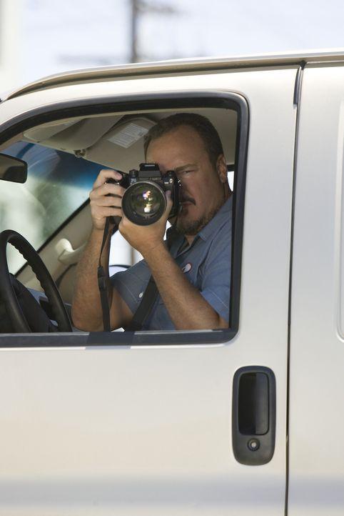 Der Privtatdetektiv Cliff Haskel (Brent Sexton) wird beauftragt, Nancy rund um die Uhr zu beobachten ... - Bildquelle: Lions Gate Television