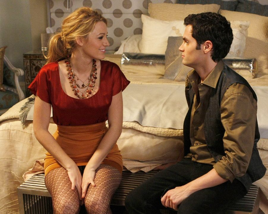 Dan (Penn Badgley, r.) rät Serena (Blake Lively, l.) ehrlich zu sein ... - Bildquelle: Warner Brothers
