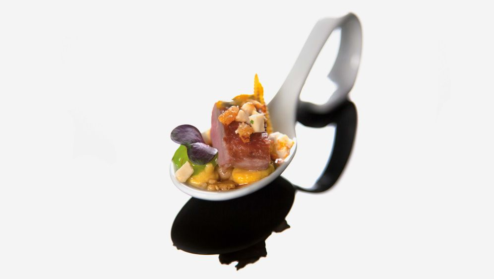 Lamm mit Tomate, Maispüree & Co.